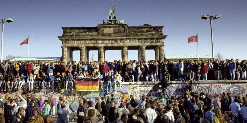 A veinticinco años de la caída del muro